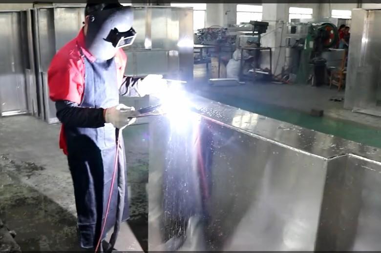 Welding aluminum plate