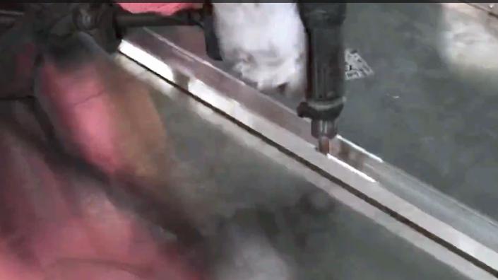 Reinforcing tendon assembling